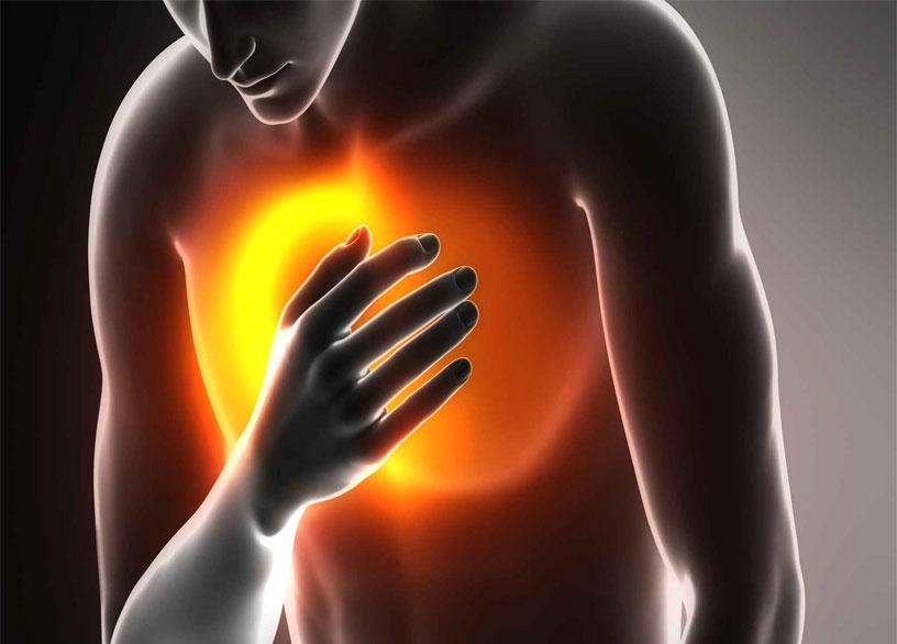 При ощущении давления в груди стоит обратиться к врачу