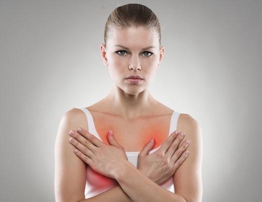 Жжение в груди бывает вызвано разными причинами