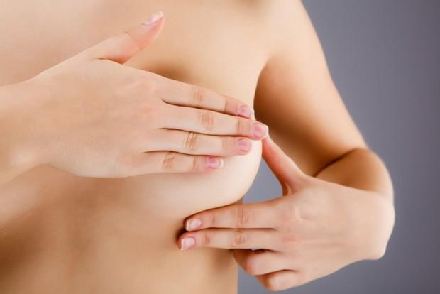 Уплотнение в грудях может быть мастопатией