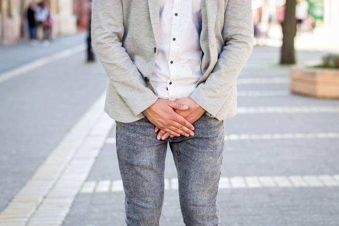 Хроническому простатиту подвержены даже молодые парни