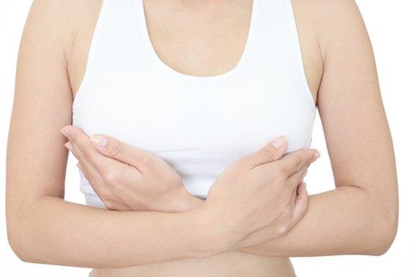 У женщин болит грудь по разным причинам